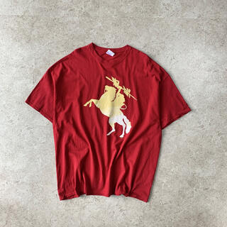 ギルタン(GILDAN)のプリントTシャツ レッド オーバーサイズ 古着(Tシャツ/カットソー(半袖/袖なし))
