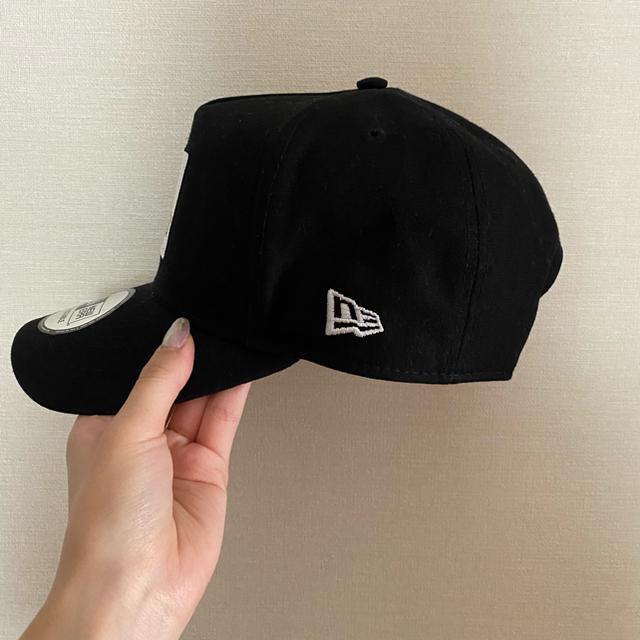 XLARGE(エクストララージ)の【XLARGE×NEW ERA】WALKING APE SNAPBACK CAP メンズの帽子(キャップ)の商品写真