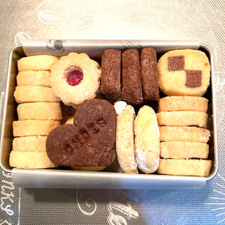 缶入りクッキー(菓子/デザート)