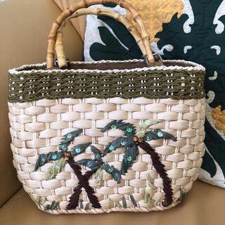 ハワイアン雑貨   ヤシの木デザインのカゴ風バッグ(かごバッグ/ストローバッグ)