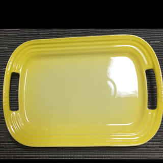 LE CREUSET - ルクルーゼ サービングプレート お盆 大皿 黄色