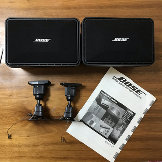 ボーズ(BOSE)のBOSE  101MMスピーカー+天吊りブラケット+カタログ(スピーカー)