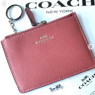 COACH - 新品‼︎COACH素敵なピンクカラーパスケース、キーリング付小銭入れ