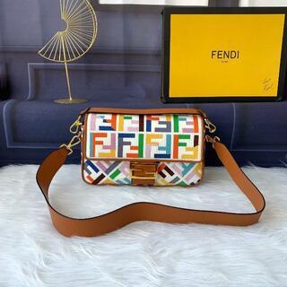 FENDI - フェンディ象徴的Baguetteミディアム /ハンドバック