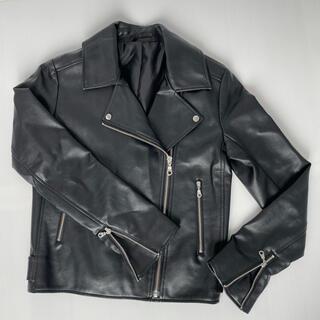 ジーユー(GU)のGU フェイクレザーバイカーブルゾン 女性用 ブラック 革ジャン(ライダースジャケット)