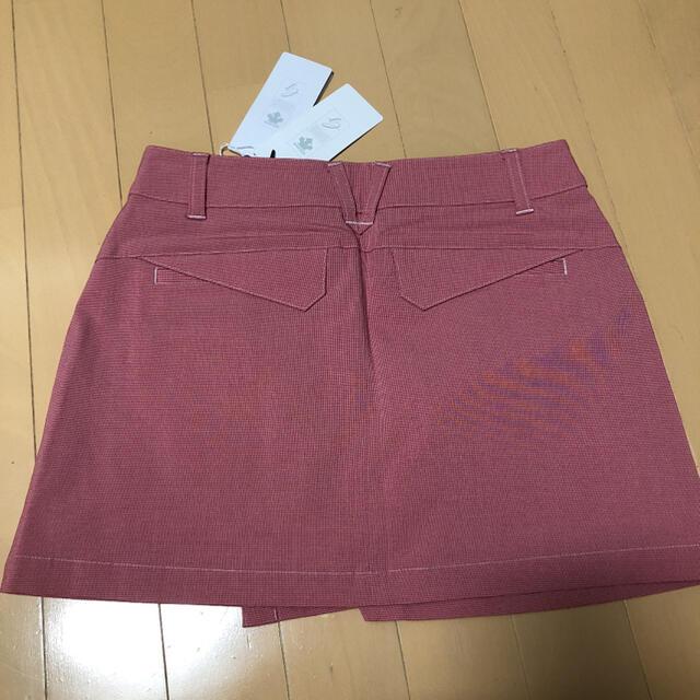 DESCENTE(デサント)のDESCENTEレディース 韓国スカート  XSサイズ新品 スポーツ/アウトドアのゴルフ(ウエア)の商品写真