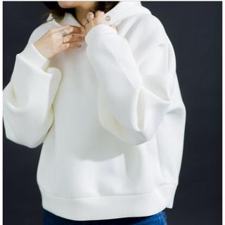 FRAY I.D - 【新品】☆タグ付き☆ホワイト☆ショートボリュームダンボールパーカー