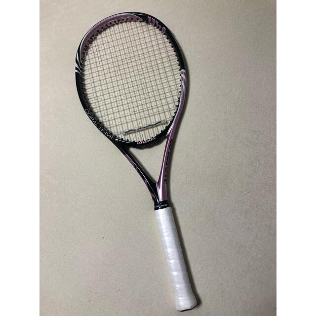 wilson(ウィルソン)のガット新品ウィルソンCORAL WAVE 軽量ラケット美品直ぐに使えます! スポーツ/アウトドアのテニス(ラケット)の商品写真