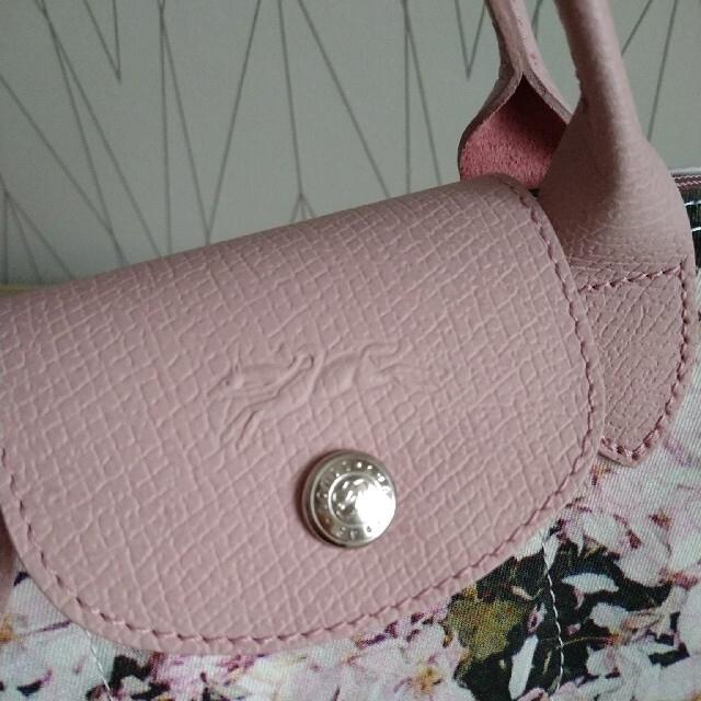 LONGCHAMP(ロンシャン)のロンシャン ルプリアージュ ブーケ フラワー 限定 ミニバッグ 26400円 レディースのバッグ(ハンドバッグ)の商品写真