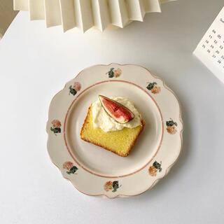 お皿 食器 花柄 レトロ おしゃれかわいい カフェ 白プレート 韓国 インテリア