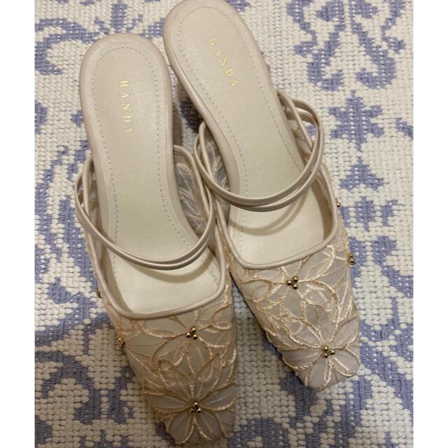 RANDA(ランダ)のRANDA フラワーレースシアーミュール クリーム レディースの靴/シューズ(ハイヒール/パンプス)の商品写真