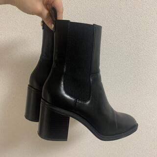 ザラ(ZARA)の【ZARA】ショートブーツ(ブーツ)