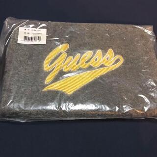 ゲス(GUESS)の新品!GUESS(ゲス)★ ブランドロゴ クラッチバッグ  グレー(クラッチバッグ)