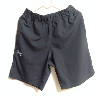 UNDER ARMOUR - UNDER ARMOUR 半ズボン