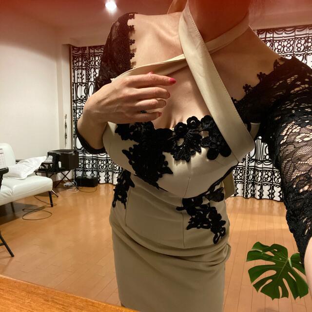 👗dazzy ベージュ✖️ブラック刺繍入りSサイズ レディースのワンピース(ひざ丈ワンピース)の商品写真