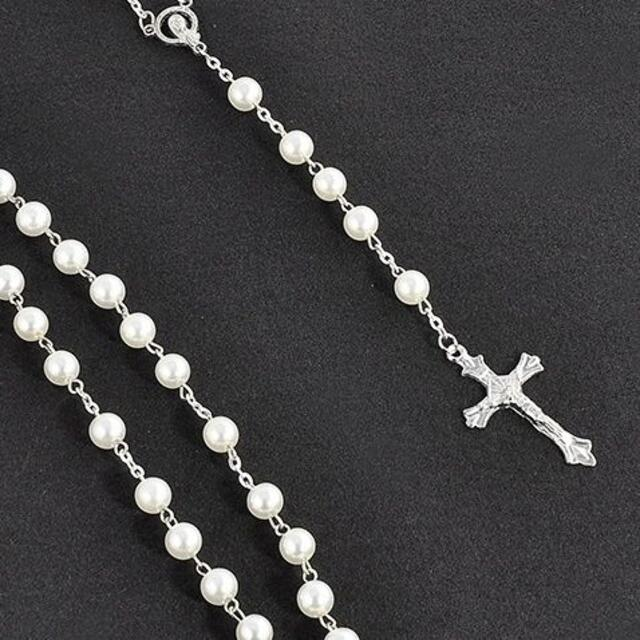 ロザリオ 十字架 ネックレス ホワイト レディースのアクセサリー(ネックレス)の商品写真