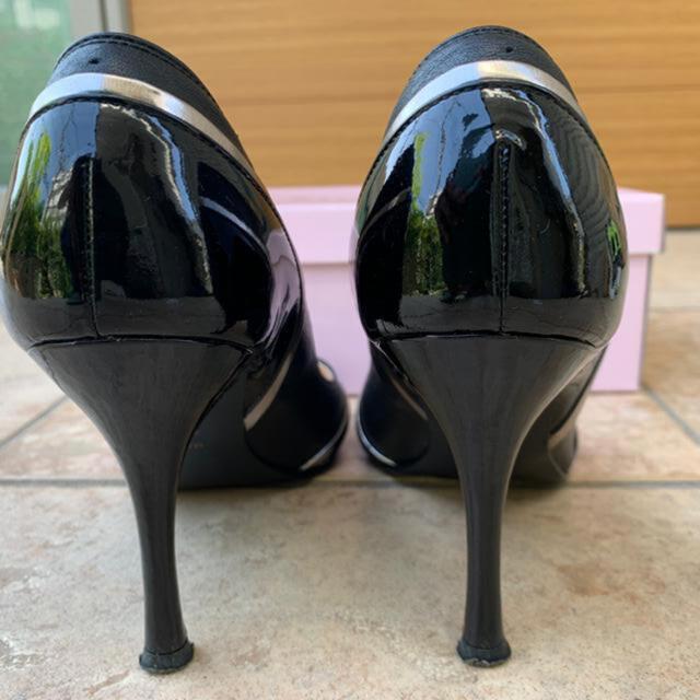 DIANA(ダイアナ)のDIANA ダイアナ 黒 パンプス エナメル 皮 ゴールド 24センチ レディースの靴/シューズ(ハイヒール/パンプス)の商品写真