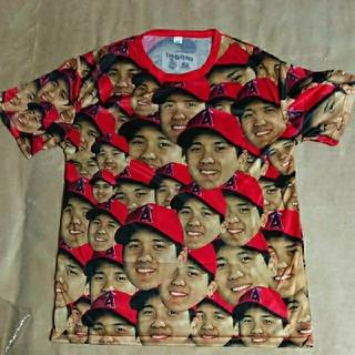 ロサンゼルス エンゼルス 大谷翔平 顔だらけ Tシャツ〈XL〉