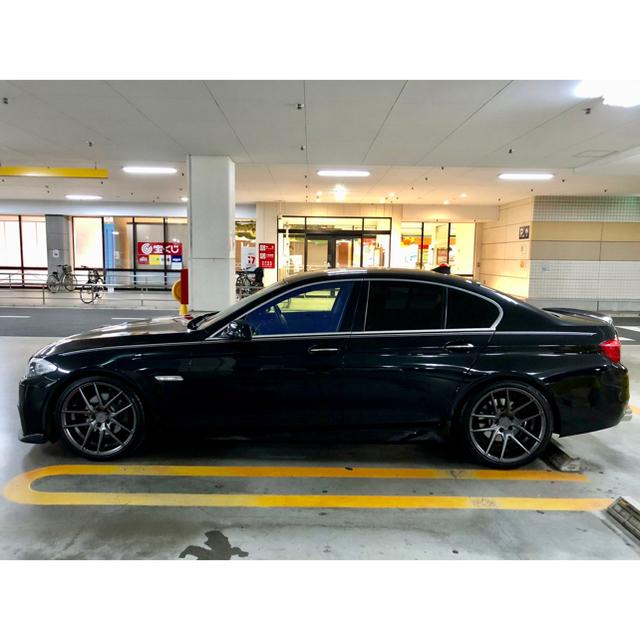 BMW(ビーエムダブリュー)の★神奈川発★ M5仕様/フルカスタム/H22年式 bmwf10/20インチアルミ 自動車/バイクの自動車(車体)の商品写真