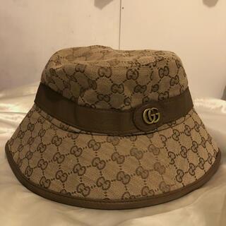 グッチ(Gucci)のGucci(グッチ) ロゴ バケットハット 帽子 ベージュ(ハット)