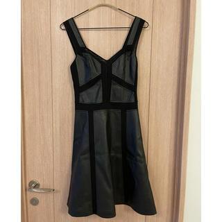 ビーシービージーマックスアズリア(BCBGMAXAZRIA)の【新品未使用・タグ付き】BCBG 異素材 ワンピース ドレス(ミニワンピース)