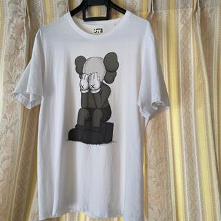 kaws tシャツ
