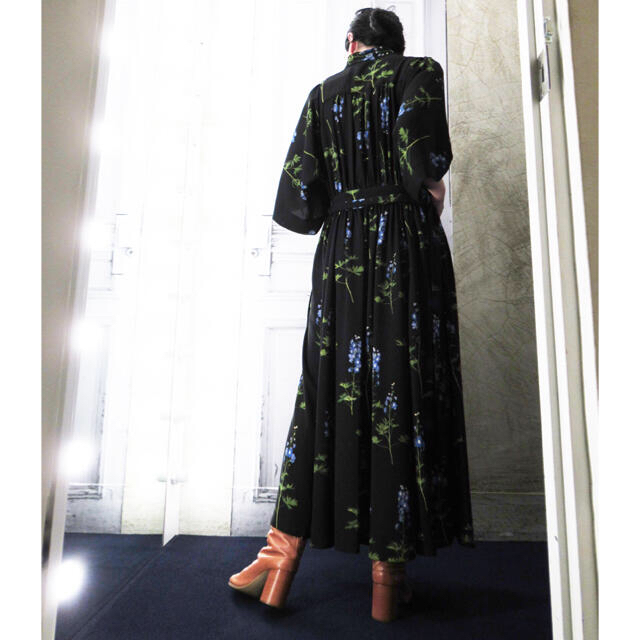 DRIES VAN NOTEN(ドリスヴァンノッテン)のkyoharu様専用 ドリスヴァンノッテン 2019 ロングワンピース レディースのワンピース(ロングワンピース/マキシワンピース)の商品写真