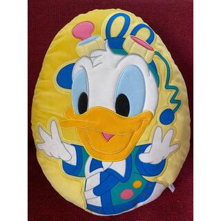 ディズニー(Disney)のディズニードナルド 卵型クッション(キャラクターグッズ)