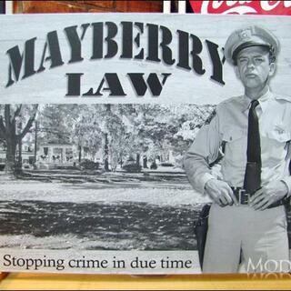 アメリカンブリキ看板 メイベリー110番 法律(パネル)