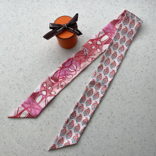 Hermes - エルメス ツイリー ピンク。