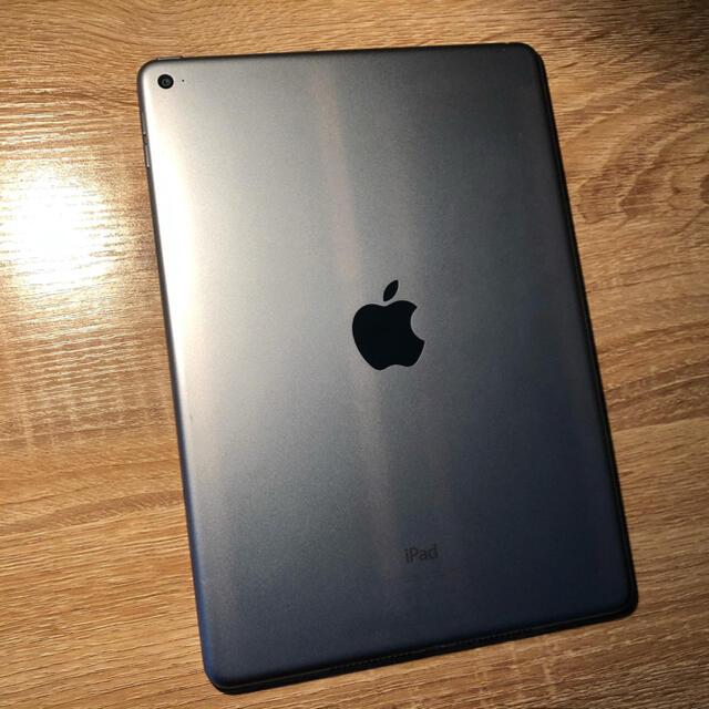 Apple(アップル)のApple iPad Air2 64GB スマホ/家電/カメラのPC/タブレット(タブレット)の商品写真