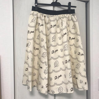 キューポット(Q-pot.)のQ-pot パールクリーム柄スカート (ひざ丈スカート)