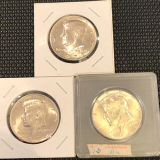 アメリカ銀貨ケネディハーフダラー綺麗未流通銀40%1枚白銅貨2枚セット販売です。(金属工芸)