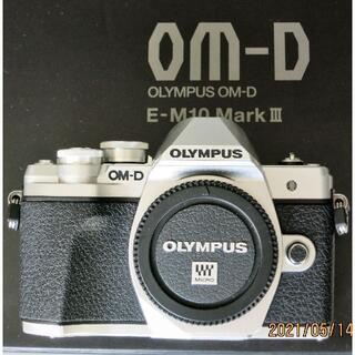 OLYMPUS - 美品 OLYMPUS OM-D E-M10 Mark III ボディ