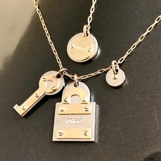 クロエ(Chloe)の正規品 クロエ ネックレス コンビ カデナ 鍵 キー ゴールド シルバー 南京錠(ネックレス)