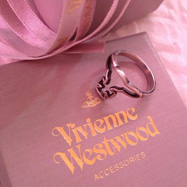 Vivienne Westwood(ヴィヴィアンウエストウッド)のvivienne 指輪 レディースのアクセサリー(リング(指輪))の商品写真