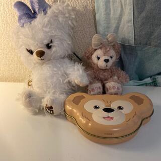 ディズニー(Disney)のunibearsityストラップ、シェリーメイストラップ、ダッフィーの缶(ぬいぐるみ/人形)