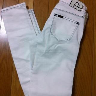 リー(Lee)のLee ホワイトスキニー(デニム/ジーンズ)