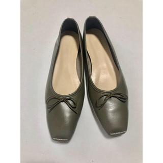 トゥモローランド(TOMORROWLAND)のjihyang リボンパンプス(ローファー/革靴)