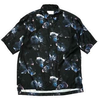 STUDIOUS - STUDIOUS ステュディオス シャツ 半袖 半袖シャツ ダークフラワー