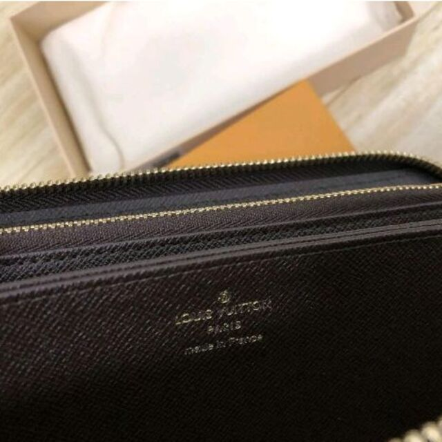 LOUIS VUITTON(ルイヴィトン)のルイ・ヴィトン ジッピー・ウォレット 長財布 N41661 レディースのファッション小物(財布)の商品写真