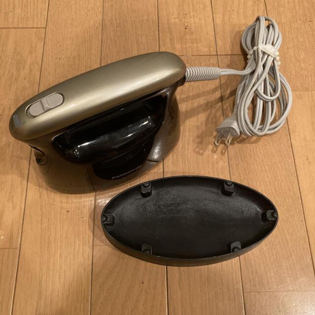 Panasonic(パナソニック)のPanasonic 衣類スチーマー ブラック NI-FS360-K スマホ/家電/カメラの生活家電(アイロン)の商品写真