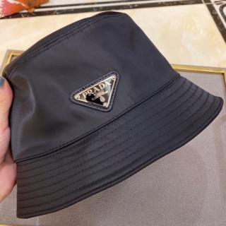 Prada(グッチ) ロゴ バケットハット 帽子