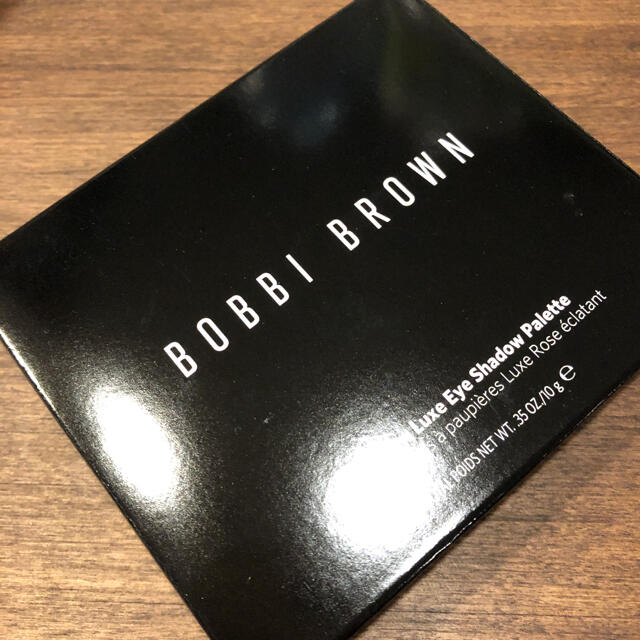 BOBBI BROWN(ボビイブラウン)のボビイ ブラウン ピンクグロウ リュクス アイシャドウパレット コスメ/美容のベースメイク/化粧品(アイシャドウ)の商品写真
