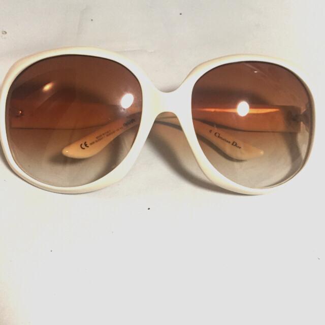 Dior(ディオール)のディオール サングラス グロッシーホワイト レディースのファッション小物(サングラス/メガネ)の商品写真