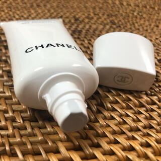 シャネル(CHANEL)のシャネル Chanel UV エサンシエル コンプリート 日焼け止め 30ml(日焼け止め/サンオイル)