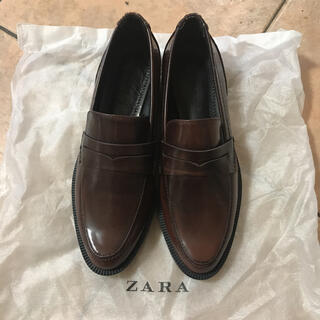 ZARA - ZARA スタッズ付ローファー 新品