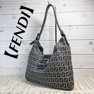 FENDI - 【美品・FENDI】マンマバケット ズッカ柄 FF金具 ワンショルダーバッグ