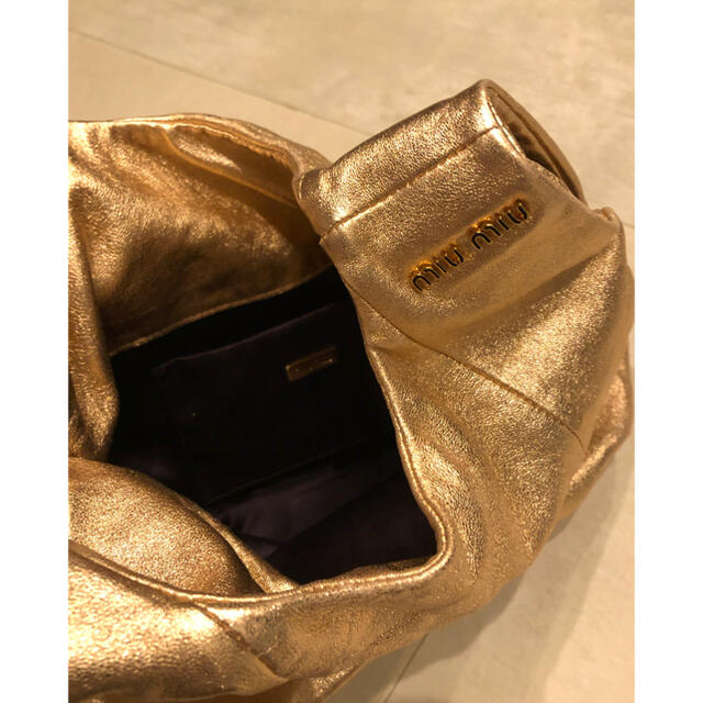 miumiu(ミュウミュウ)のmiumiu バック レディースのバッグ(ショルダーバッグ)の商品写真