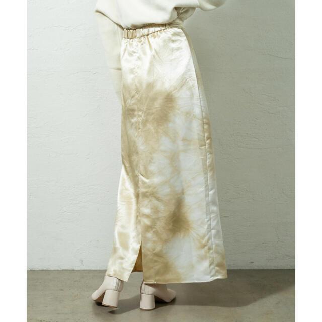 mystic(ミスティック)のmystic タイダイサテンロングスカート ベージュ レディースのスカート(ロングスカート)の商品写真